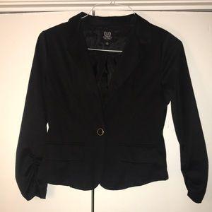 Black cropped blazer (Brand:Mine)